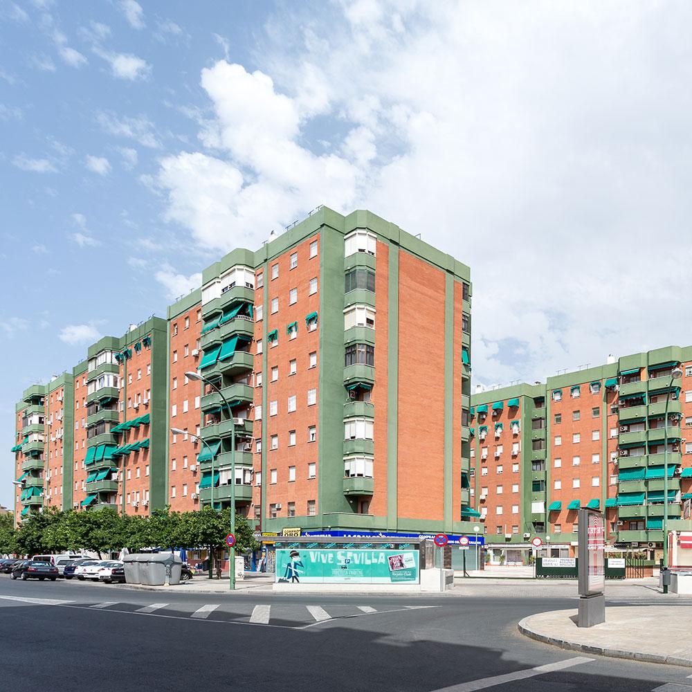 Conjuntos residenciales en José Laguillo, Sevilla